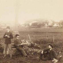 Photographie d'Édouard Detaille, Alphonse de Neuville et Paul Mathey à la vieille croix de Rezonville