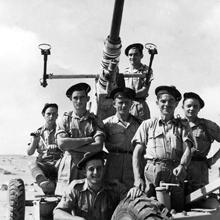 Pièce de DCA servie par les fusiliers marins à Bir-Hakeim © musée de l'ordre de la Libération / DR